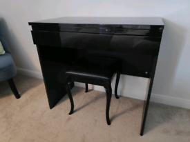 Black Gloss Dressing Table and Stool