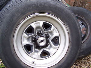 Chey Blazer rims with tires (5 x 120.7) Edmonton Edmonton Area image 2