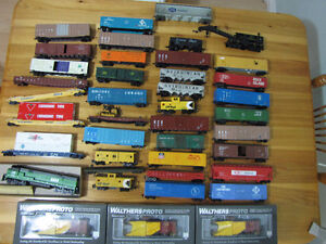 HO Scale Model Train Cars and Accessories