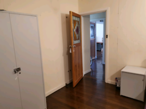 Clayton Central single room 5mins to station
