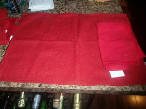 4 PLACEMATS AND COTTON NAPKINS--NEW!