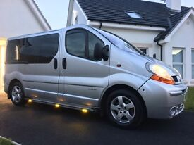 🚕8 seater(8 passenger) 1.9 Renault traffic taxi bus