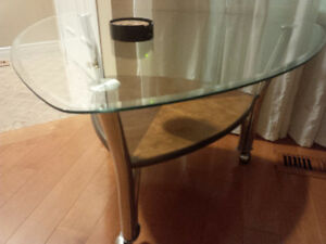 Excellent Modern coffee table on rollers with shelf, glass top Kitchener / Waterloo Kitchener Area image 1