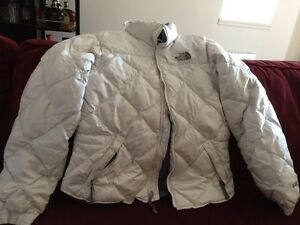 Woman's Size Medium The North Face 600 Down Fill Coat