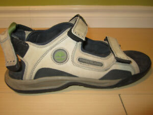NEW Men's size 12 Timberland sandals