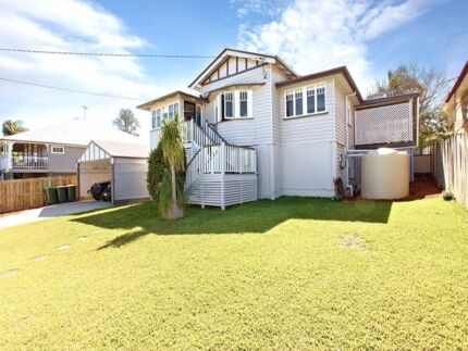 Ground level of a house is available for rent / Bills Included