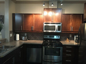 1 BD + DEN,CONDO WITH UNDERGROUND PARKING, ON WHYTE AVE.