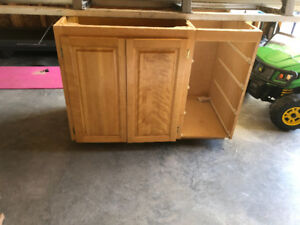 Kitchen cabinet doors, drawers and island