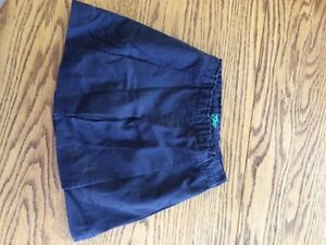 Size five Gap navy blue pleated skirt/skort