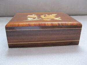 Inlaid wood box Sorento Italy Boite en bois de l'Italie West Island Greater Montréal image 4