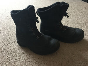 Youth size 7 Columbia Boots