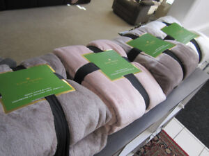 Kate Spade, Queen & King  Size Plush Blankets,BNIP(REDUCED)