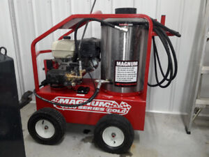 Magnum 4000 Series Gold pressure washer $3000 used 3x