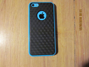 Iphone 5C 16 GiG Bell,Pc mobile et Virgin mobile Maniwaki