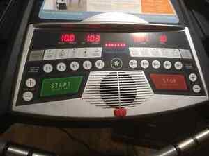 Tempo Fitness 620t Spacesaver Treadmill Regina Regina Area image 2