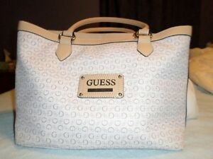 GUESS Tote & Wallet 3pce Set