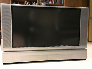 Free Hitatchi LCD Rear Projection