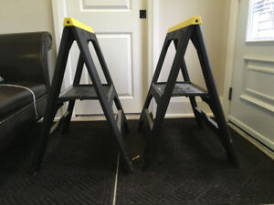 Saw Horse set of 2.  Light weight.  Excellent Condition