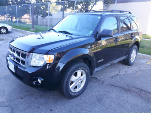 LOADED BLACK 2008 FORD ESCAPE XLT 3.0 V6 SUV WITH LOW KM'S!!