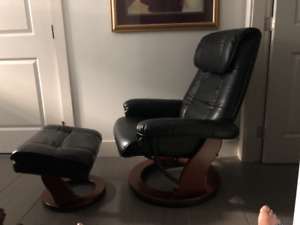 Fabulous leather look recliners