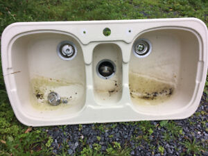 Double Sink with Garborator