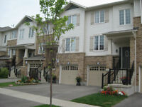 Beautiful 3 Bedroom Townhouse in Ancaster