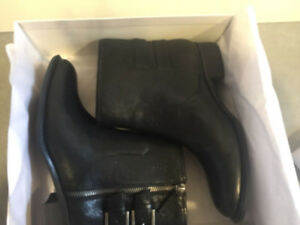 Black Boots - BRAND NEW - still in box (from Nine West)