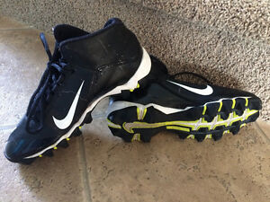 Nike Cleets Size 3