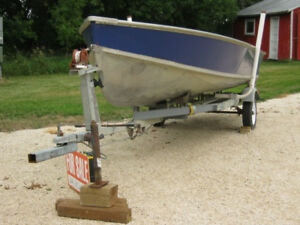 Alumnum boat with trailer and motors
