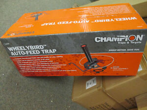 Champion WheelyBird Auto-Feed Trap - NIB