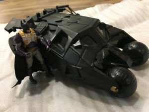 BATMOBILE DARK KNIGHT