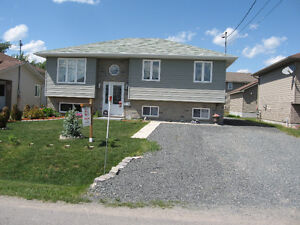 ARE YOU LOOKING FOR A NEW/NEWER HOME IN THE VALLEY WITH A GARAGE