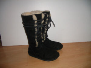 """"" UGG """" mouton/ shearling BOTTES --- size 6 - 6.5 max US / 37"