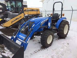 NEW HOLLAND BOOMER 47 TRACTOR