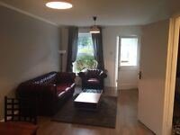 Short term accommodation in Modern 2 bed City centre house