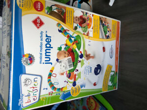 Jumper and play mat