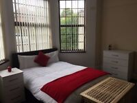 Great double room situated next to Liverpool Street Station.