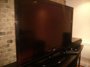 42inch LG 120HZ TrueMotion (Excellent Shape)