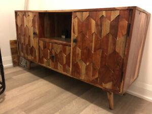 Patterned Wooden Hutch/Bar Cabinet