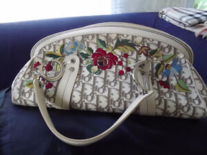 SAC CHRISTIAN DIOR AUTHENTIQUE GENUINE DIOR PURSE West Island Greater Montréal image 1