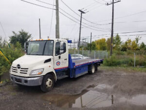 Towing Platefome dépanneuse 2010 hino 185