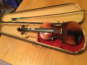 3/4 size Violin with starter bow and case