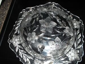 REDUCED Large Crystal Flowered Design Etched Fruit Bowl and More Sarnia Sarnia Area image 2