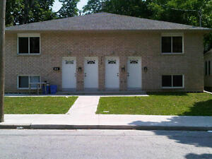 STUDENT RENTAL - 3 bedroom apartment $1,125 Inclusive on Felix!
