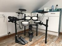 Yamaha DTX 542K Electronic Drum Kit - hardly used/pristine condition
