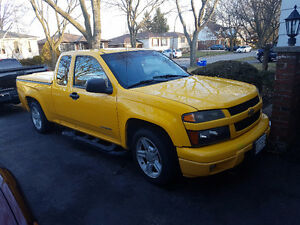 2004 Chevrolet Colorado LS Sport Pickup Truck