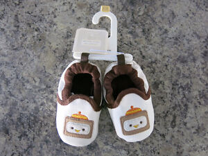 Size 6-12 Months Old Navy Soft Shoes