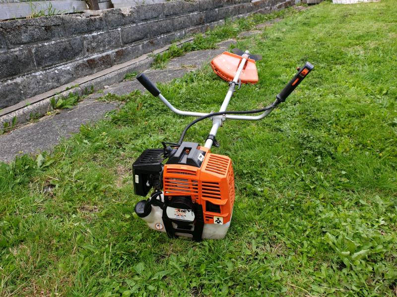 Petrol strimmer/Bush cutter | in Swansea | Gumtree