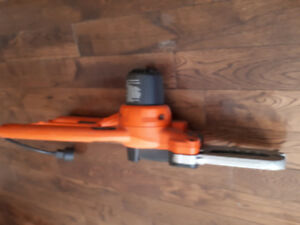 BLACK AND DECKER ALLIGATOR CHAIN SAW