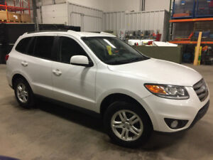 2012 Hyundai Santa Fe GLS AWD very clean & well maintained